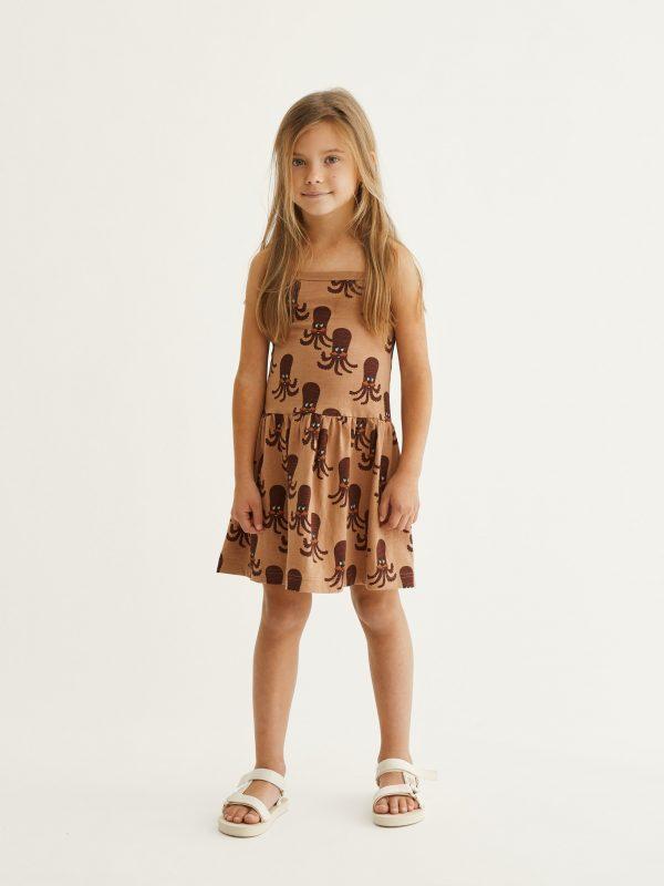 Dievčenské šaty na ramienka s potlačou chobotničiek