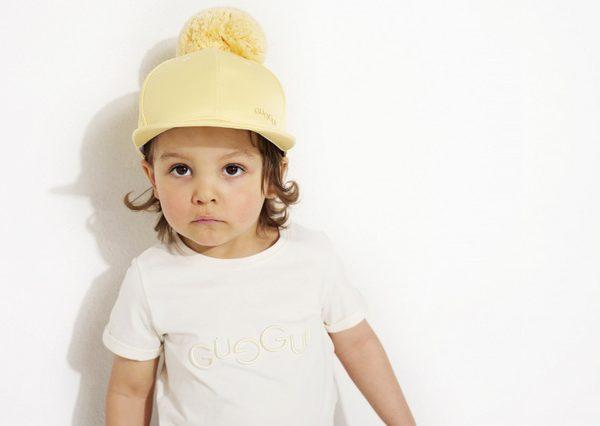 Detská letná šiltovka s brmbolcom